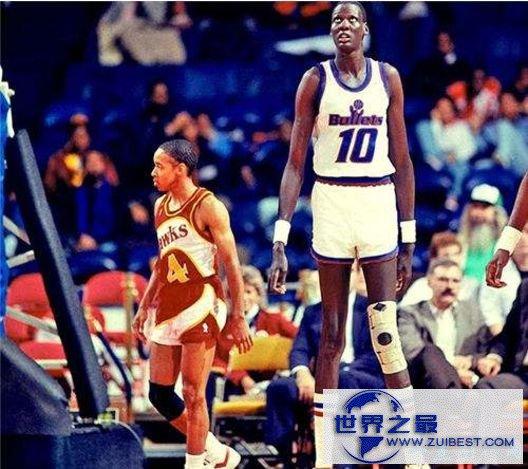 NBA历史上最高的球员:马努特·波尔 2.30505米