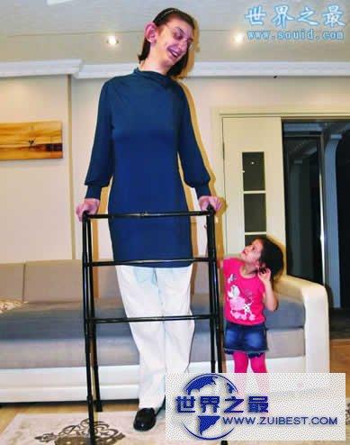 【图】世界最高少女,17岁身高达2.14米