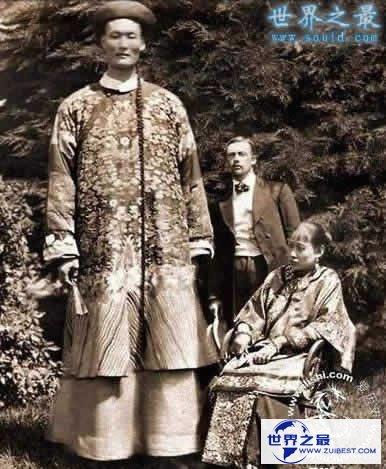 【图】世界上最高的人罗伯特·潘兴·瓦德罗,身高2.7