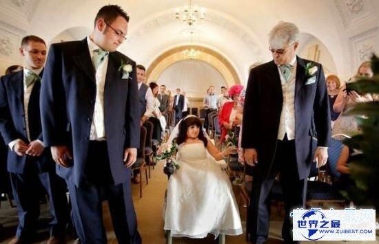 【图】世界上最小的新娘完婚,81cm的她嫁给了185cm的人