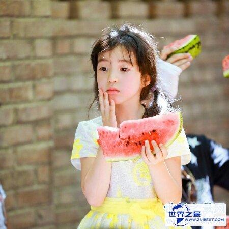 【图】夏天poppy真的是事实当中的小天使 长得好可恶