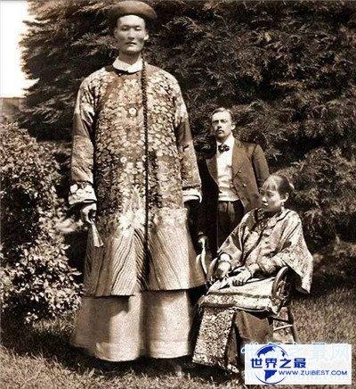 【图】詹世钗可谓世界最高的人 最终娶了本国妻子伤心