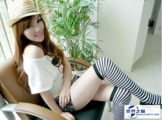 中国最性感女老师朱松花 爆乳翘臀令人欲罢不能