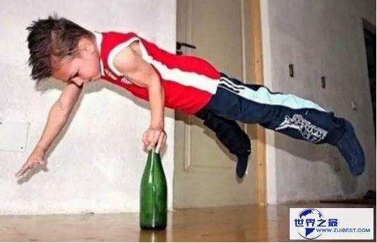 世界最强健男孩朱利亚诺·斯特勒 年仅3岁就全身肌肉