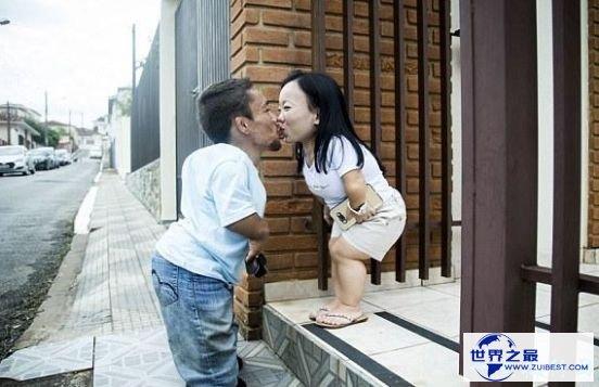 """世界上最矮的夫妻""""袖珍夫妻""""身高均无余0.9米"""