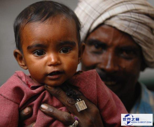 身份不明/印度/母亲年龄:8年